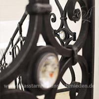 Geschmiedete Treppengeländer mit Glaseinsatz