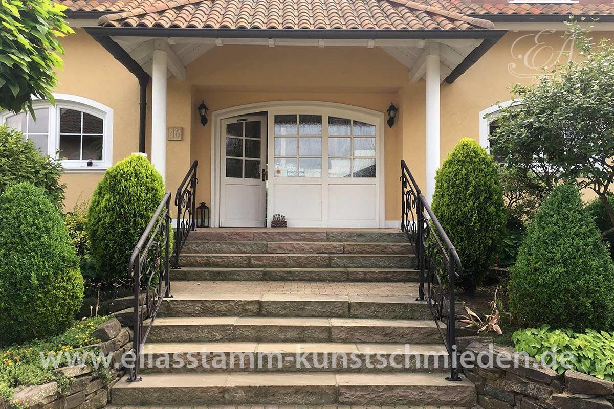 Treppengeländer aus Eisen - Die individuelle Note für den Hauseingang