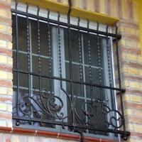 geschmiedete Fenstergitter